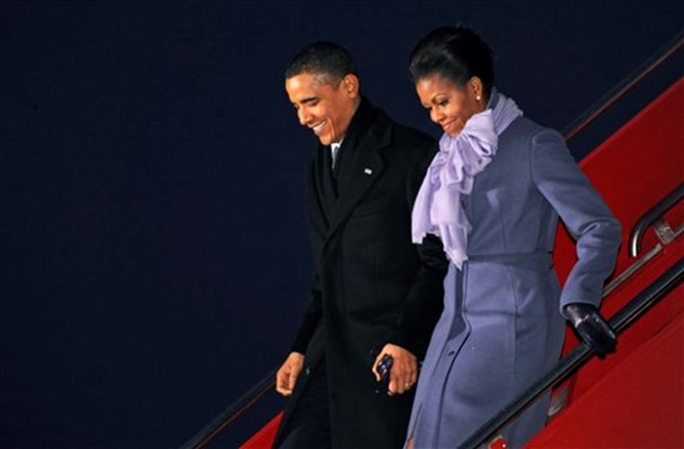 Barack ve Michelle Obama Norveç'te Gardermoen Havaalanı'na iniş yaptı.