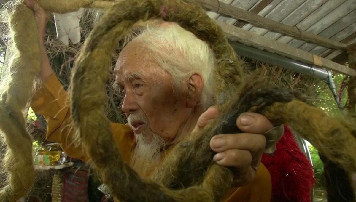 80 yıldır saçlarını kesmiyor ... (Saçlarının uzunluğu 5 metre)