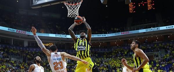 Fenerbahçe Beko ilk galibiyetini aldı
