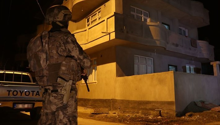 Adana'da eylem hazırlığında olduğu iddia edilen 4 DAEŞ'li yakalandı