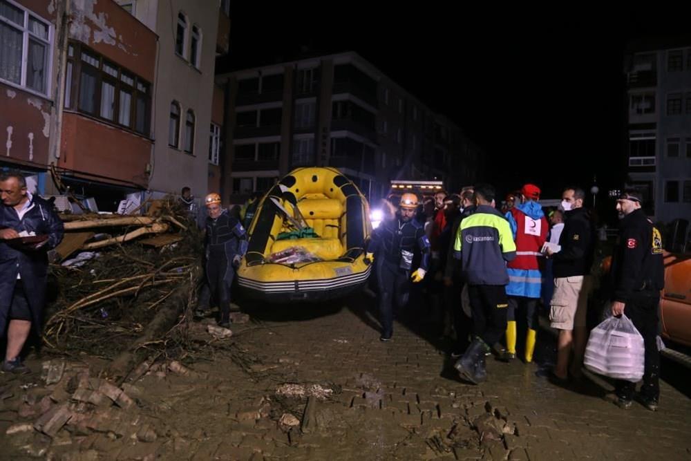 Selin vurduğu kentlerde tahliye çalışmaları sürüyor - 4