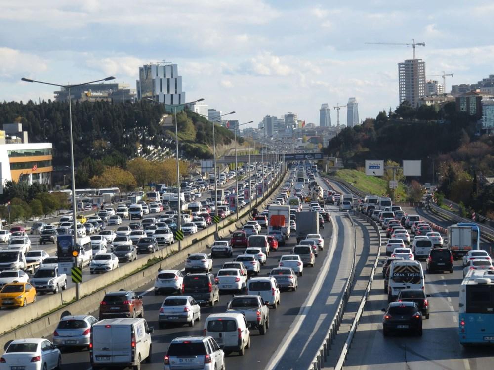 Hafta sonu kısıtlaması öncesi İstanbul trafiği kilit - 5