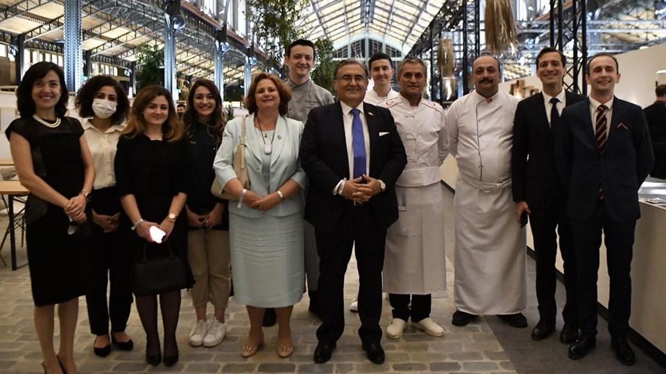 Türkiye'yi temsilen Brüksel Büyükelçiliği tarafından hazırlanan yemekler 100'ü aşkın katılımcının büyük beğenisini kazandı.