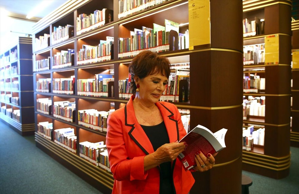 Hülya Koçyiğit, Cumhurbaşkanlığı Millet Kütüphanesi'ni gezdi - 5