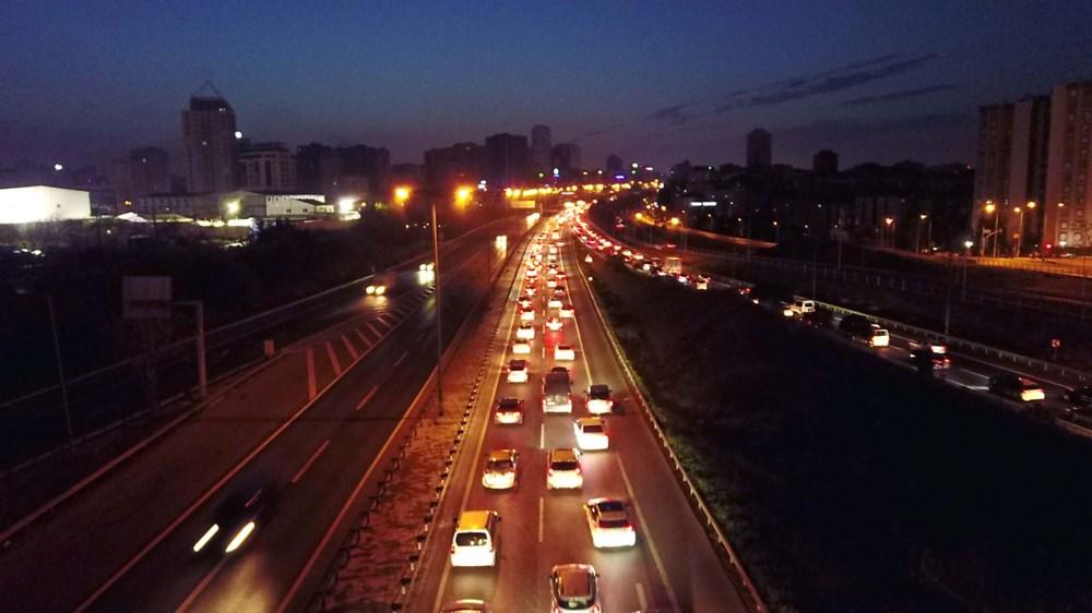 İstanbul'da, 'tam kapanma' öncesinde kaçış trafiği - 11