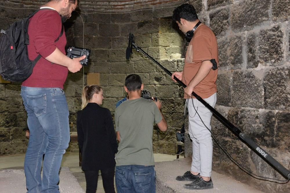Diyarbakır'ın tarihi mekanları dizi çekimleri için doğal plato oldu - 10