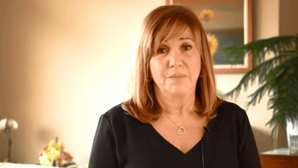 62 yaşındaki Onat, Sihirli Annem dizisinin filmi için bir proje olduğunu açıkladı.