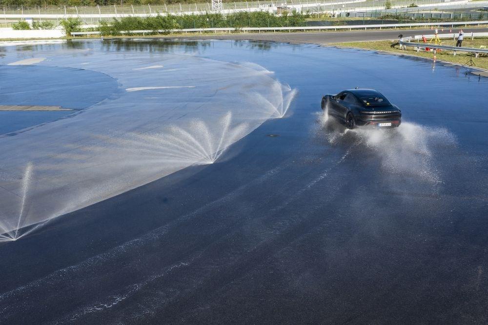 Porsche Taycan, Guinness Rekorlar Kitabı'na girdi - 3