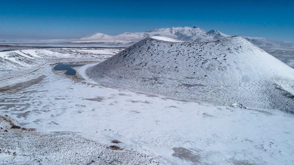 'Evil eye bead of the world' Meke Lake is white - 3