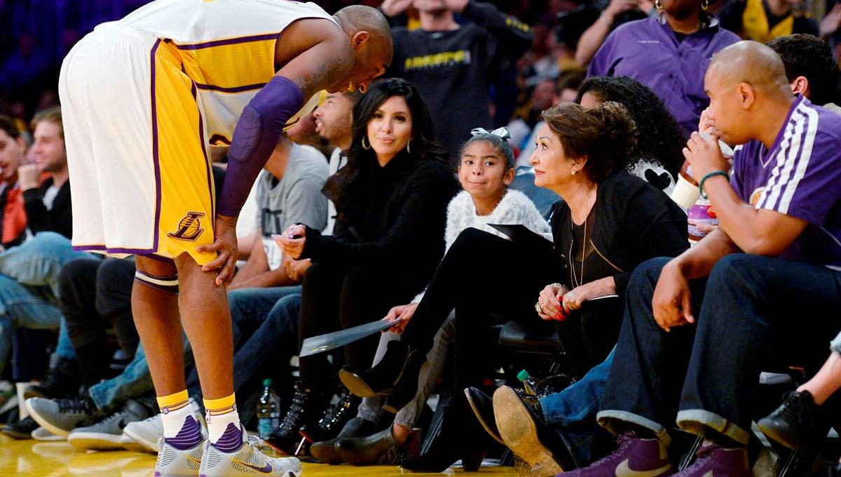 """Kobe Bryant'ın eşi Vanessa Bryant ile annesi mahkemelik oldu<br /></noscript>"""" /></p><p>Kobe Bryant'ın eşi Vanessa Bryant'ın annesi Sofia Urbieta Laine kızına dava açtı.</p><section class="""