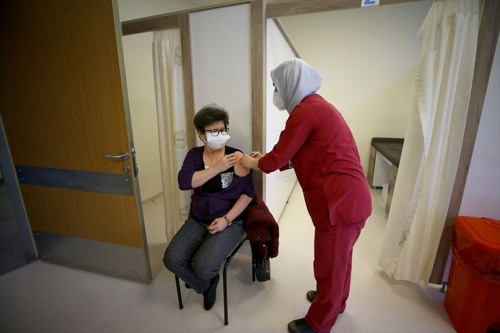 Citizens aged 55 and over started to be vaccinated against Covid-19 - 12