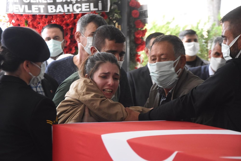 Şehit Teğmen Mehmet Kıvık, son yolculuğuna uğurlandı - 11