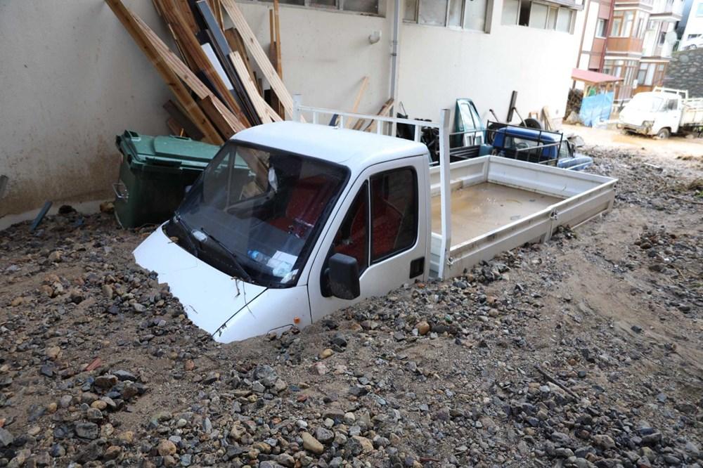 Rize'de sel ve heyelan afetinin hasarı gün ağarınca ortaya çıktı - 16