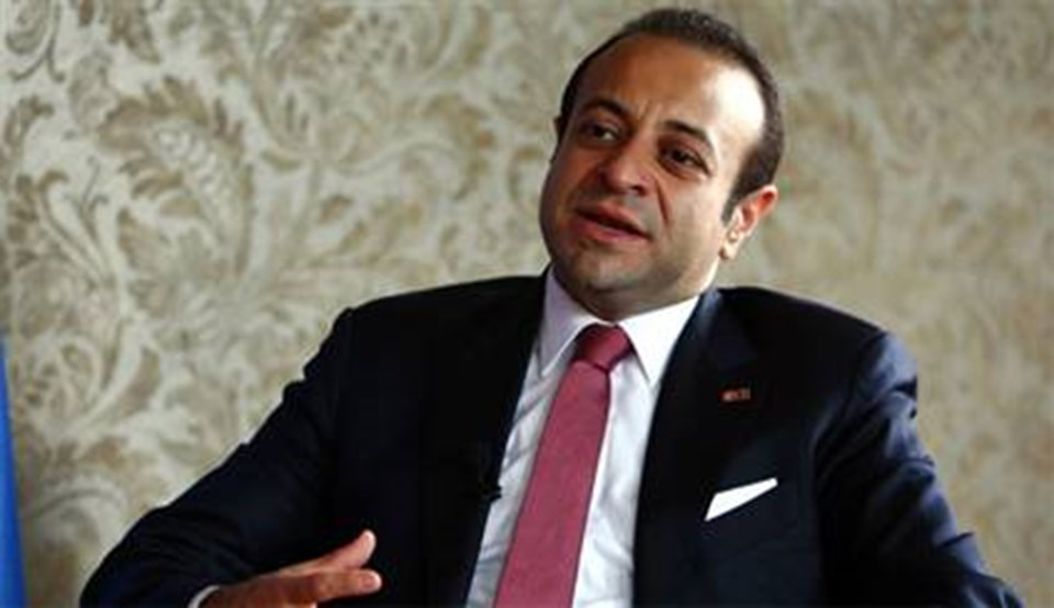 AB Bakanı ve Başmüzakereci Egemen Bağış, 'Vizesiz Avrupa' müjdesini ''3-4 yıl içinde Avrupa'ya vizesiz gidilecek'' sözü ile ilk kezNTV canlı yayınında vermişti. (14 Ağustos 2012)