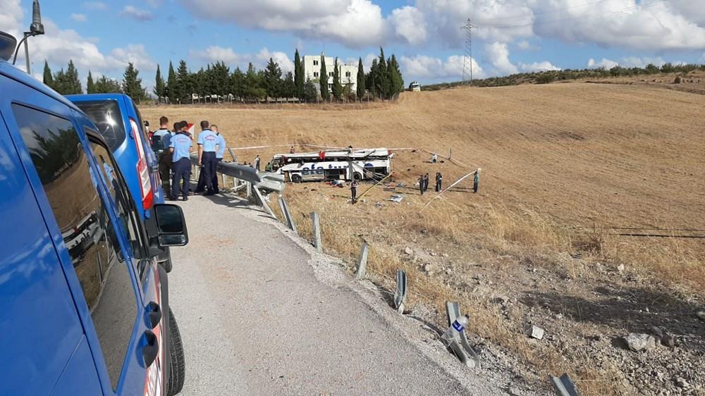 Balıkesir'de yolcu otobüsü devrildi: 15 kişi hayatını kaybetti - 15