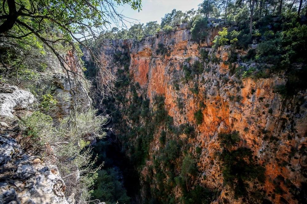Antalya'da 'kesin korunacak hassas alan' ilan edilen doğal güzellik: Güver  Uçurumu | NTV