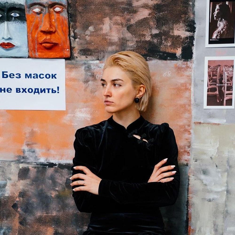 Rusya'da mahkeme dövmeli ve piercingli kadının anneliğe uygun olmadığına karar verdi - 7