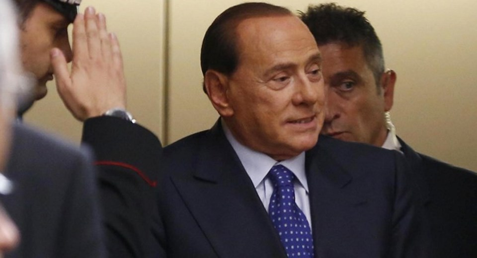 İtalya eski Başbakanı Berlusconi, AC Milan'ı 1.4 milyar dolar karşılığında satma teklifini reddetti.