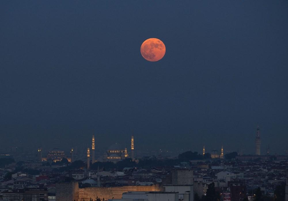2021'in son Süper Ay'ı, Çilek Ay Tutulması gerçekleşti: Türkiye'den ve dünyadan manzaralar - 13