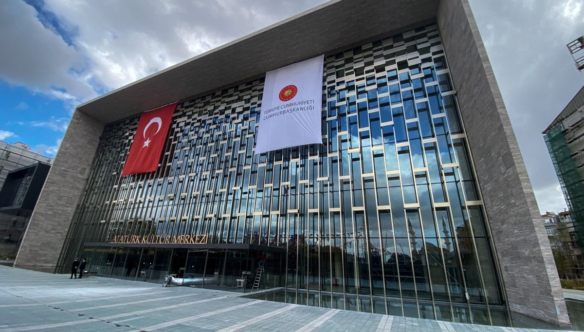 Atatürk Kültür Merkezi açılışa gün sayıyor