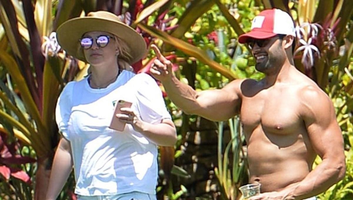 Britney Spears vasilik davası duruşmasından sonra sevgilisiyle tatile çıktı