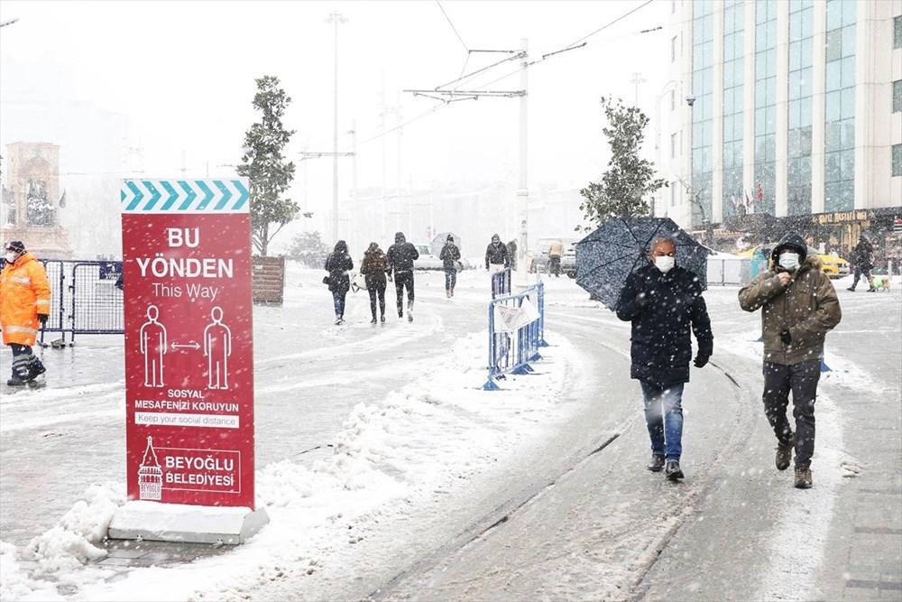 İstanbul'da kar yağışı devam ediyor - 30