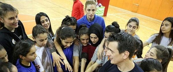 Bahar Toksoy Guidetti, kız çocuklarının hayallerine ışık tutuyor