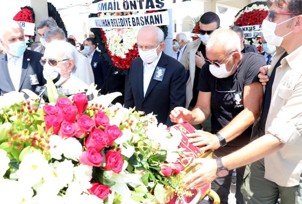 Yazar Adalet Ağaoğlu son yolculuğuna uğurlandı - 8