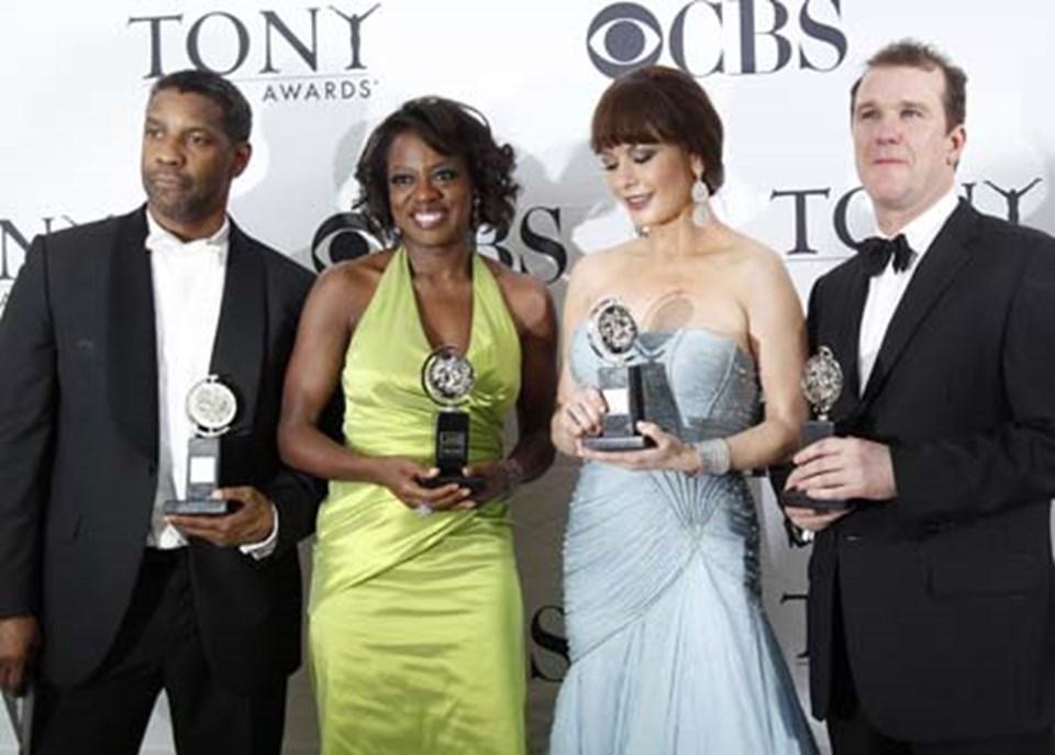 Denzel Washington, Viola Davis, Catherine Zeta-Jones ve Douglas Hodge.