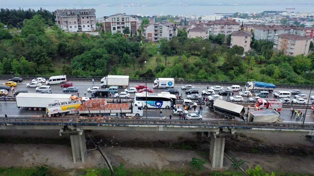 TEM'de zincirleme kazada 20'den fazla araç birbirine girdi: 15 yaralı - 2