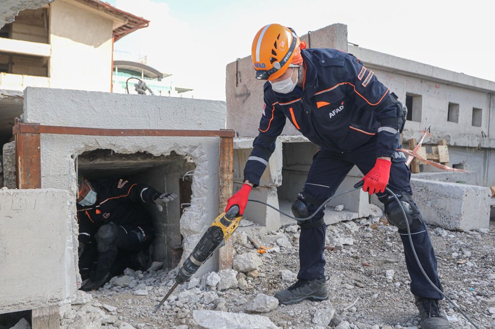 İzmir depremi kahramanlarının zorlu eğitimi (AFAD gönüllüsü nasıl olunur?) - 4