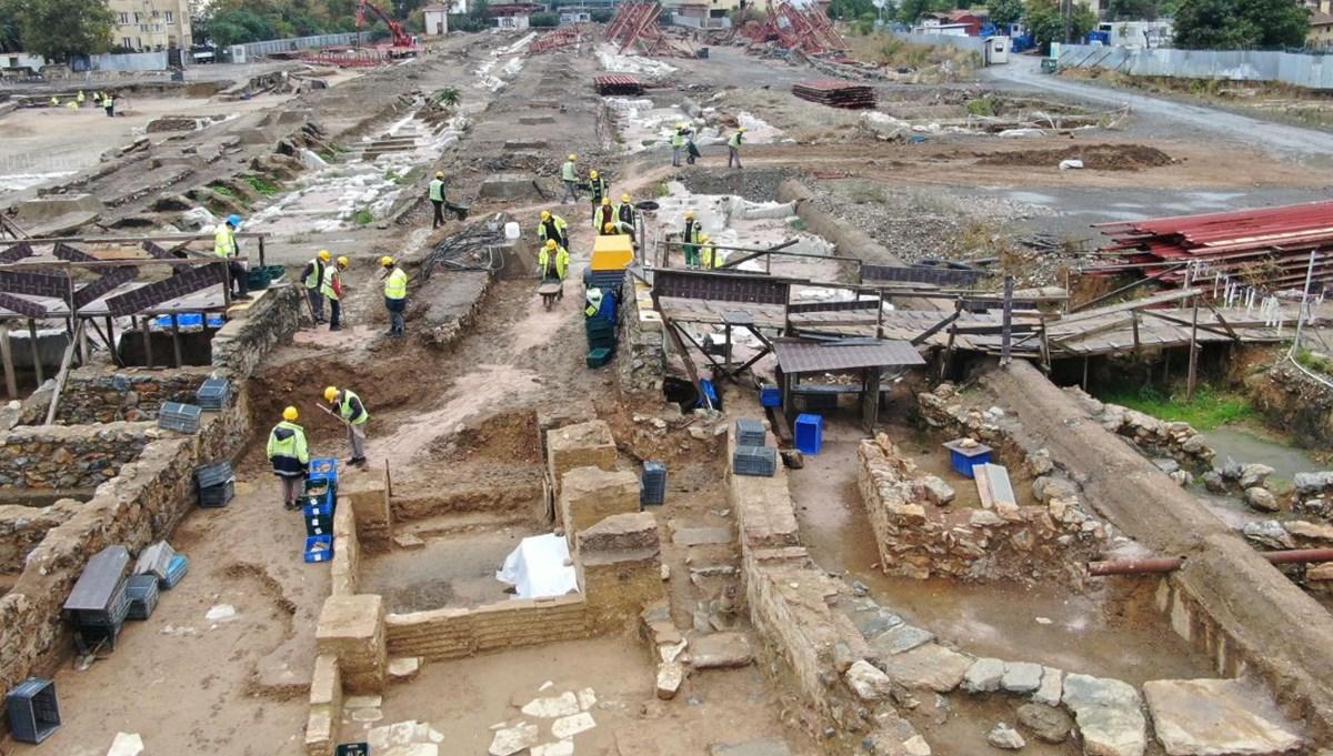 Haydarpaşa'da peronlar kaldırıldı sığınak, toplu mezarlar ortaya çıktı