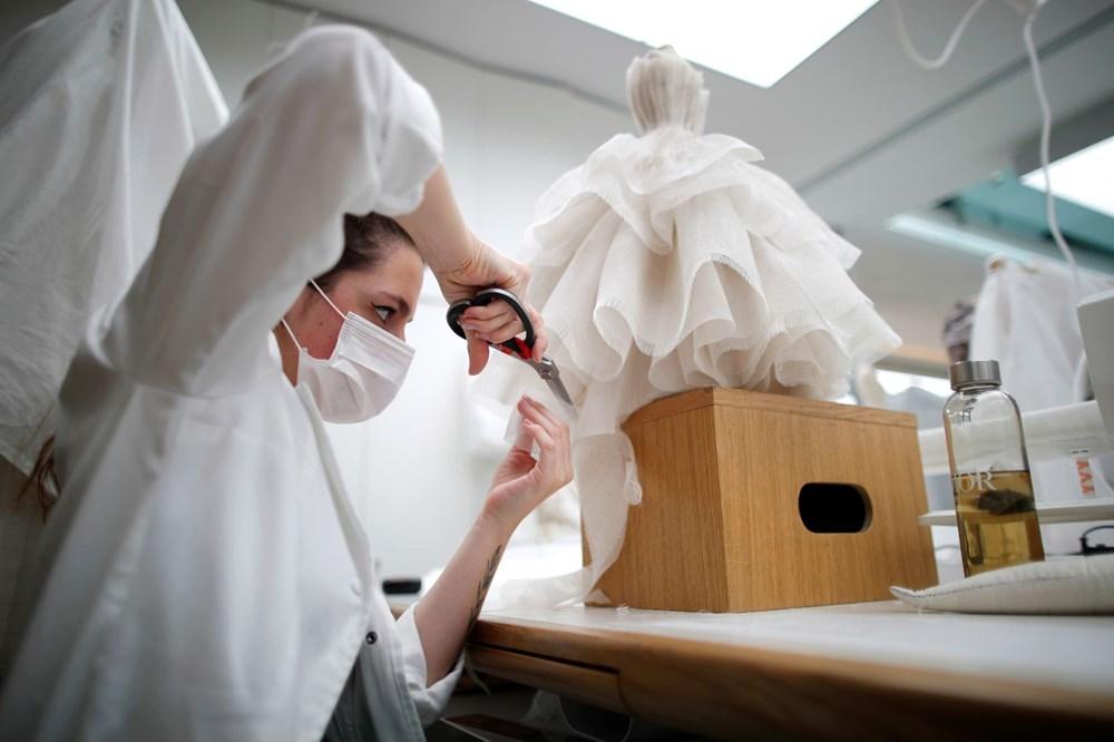 Dior'dan Dijital Moda Haftası için minyatür elbise tasarımları - 9