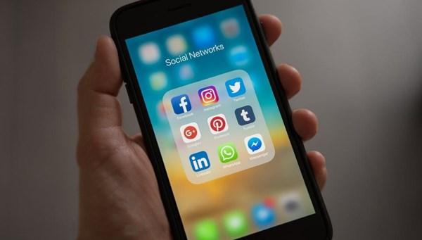 Sosyal medya bağımlılığı depresyon ve uyku hastalıkları riskini 3 kat artırıyor