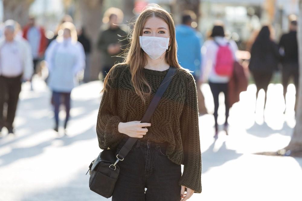 Corona virüs aşısı olan insanlar maske takmaya devam edecek - 3