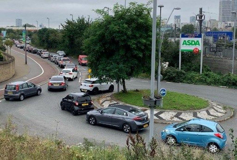 İngiltere'de yakıt krizi giderek büyüyor - 6