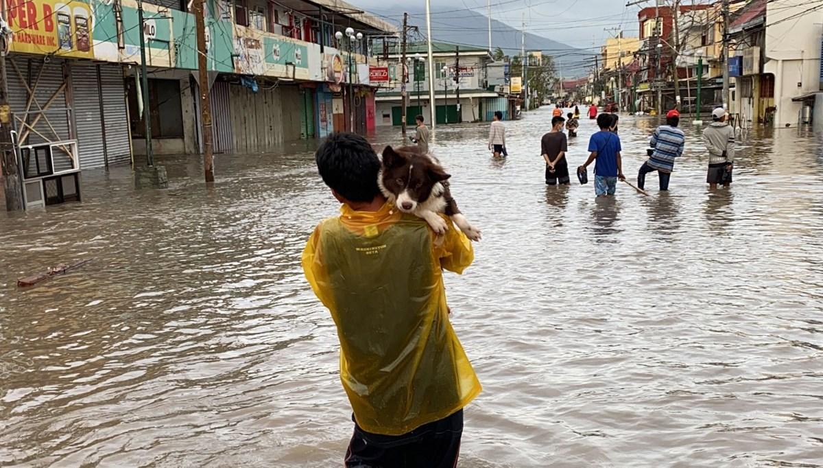 Filipinler'i vuran Goni Tayfunu'nda ölü sayısı 10'a yükseldi