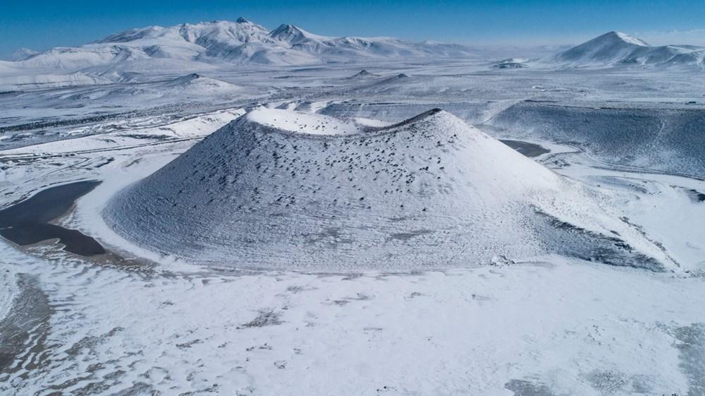 'Evil eye bead of the world' Meke Lake is white - 2