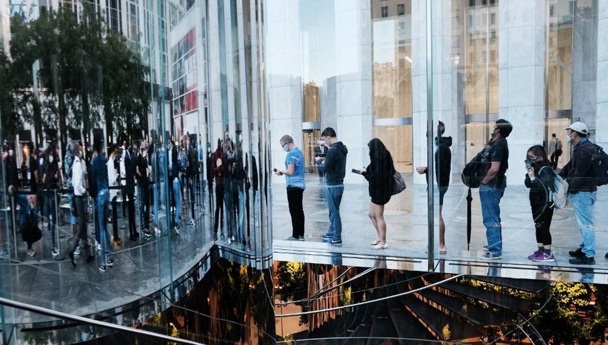 iPhone 13 satışta: Dünyanın dört bir yanında Apple tutkunları yeni iPhone için kuyruğa girdi