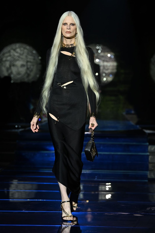 Gigi Hadid, Kate Moss ve Naomi Campbell Milano Moda Haftası'nda - 9