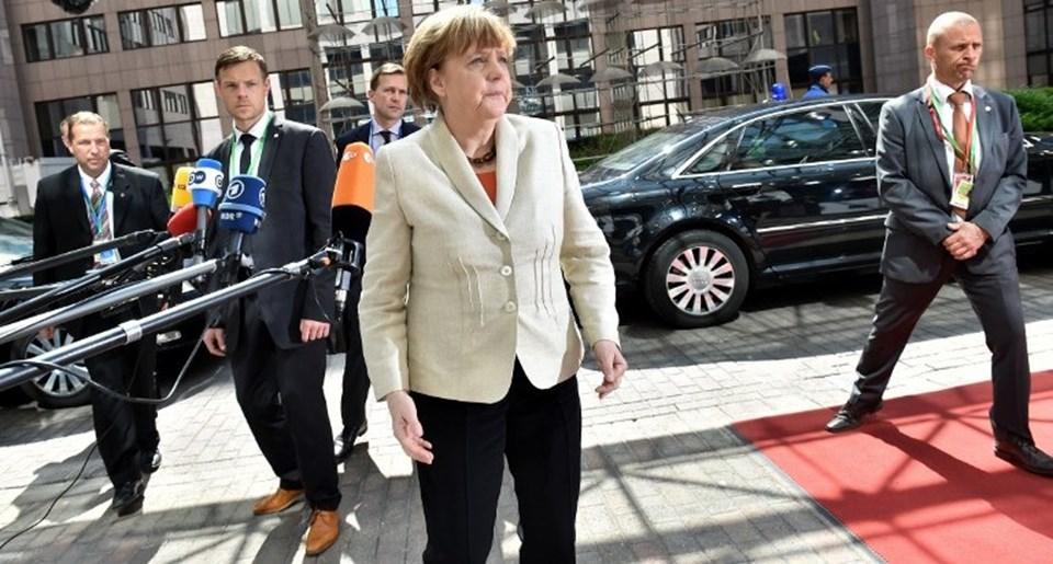 AB liderleri zirvesi öncesi Almanya Başbakanı Angela Merkel'in kaçak göçmen kriziyle ilgili tavrı merak ediliyor.