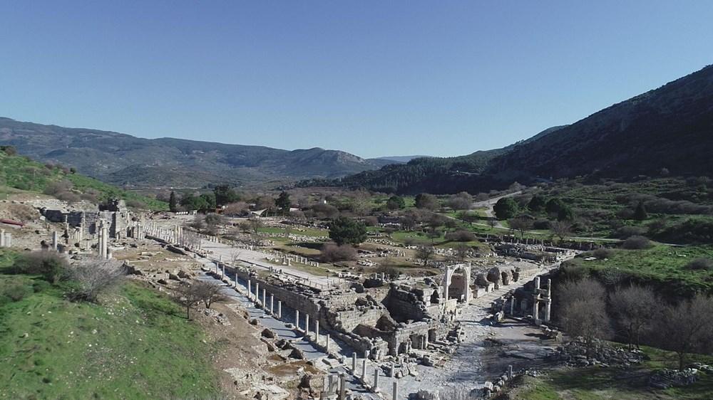 Efes Antik Kenti, pandemi döneminde de güvenli turizmin adresi oldu - 10
