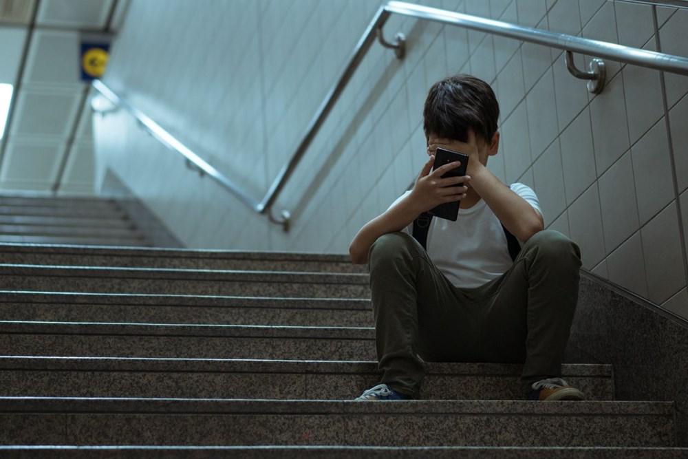 Araştırma: Çocukları ve ergenleri intihara sürükleyen 8 internet deneyimi - 9