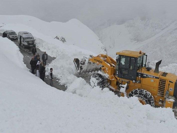 Doğu'da kar yağışının şiddeti arttı: 3 ilde 128 yere ulaşım kapandı