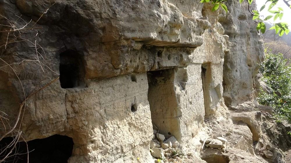 Kayalar oyularak yapılan Pedromida Kilisesi definecilerin hedefi haline geldi - 7