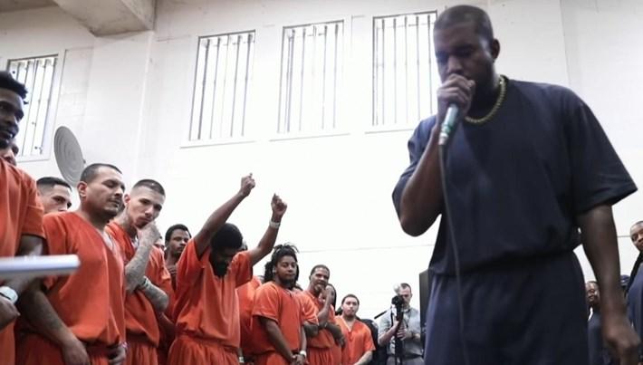 Rap yıldızı Kanye West'ten hapishane konseri