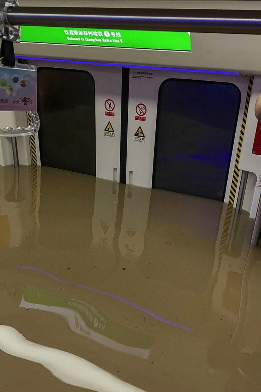 Çin'de 'bin yılın en şiddetli yağmuru' sele neden oldu: 16 can kaybı - 14