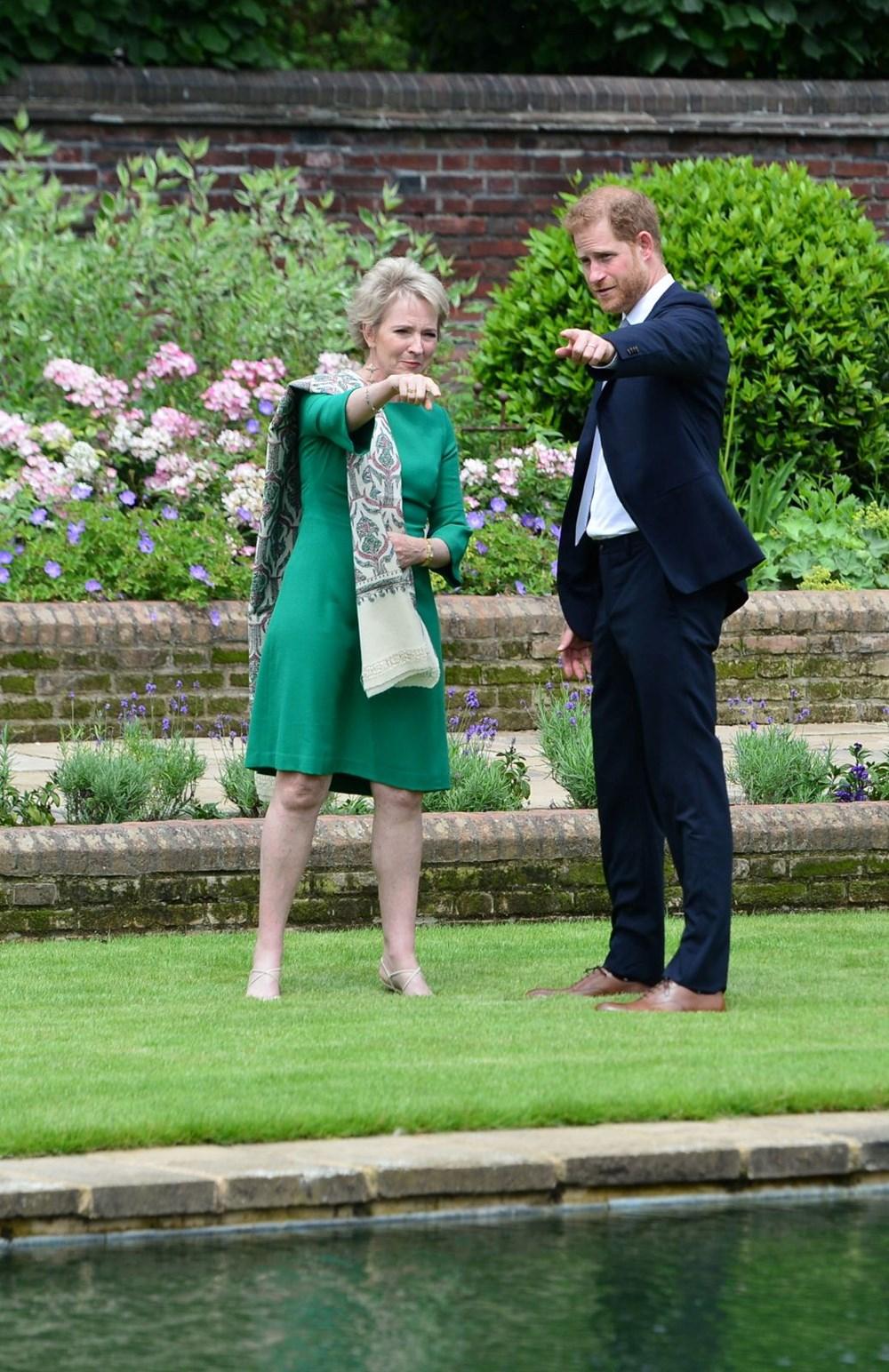 Prenses Diana'nın 60'ıncı doğum gününde Kensington Sarayı'nda heykelinin açılışı yapıldı - 9