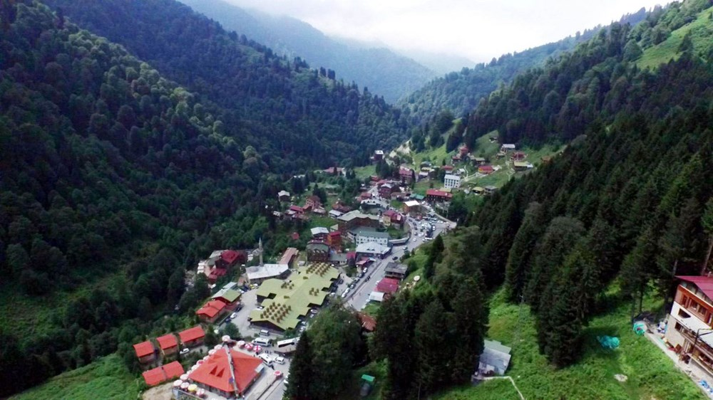 Environmentally friendly parking lot inside the mountain in Ayder Plateau - 10