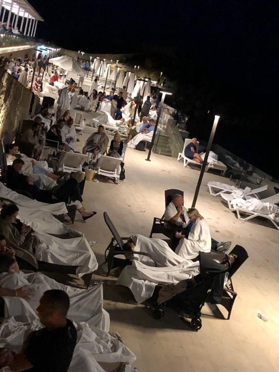 Patlamanın şiddetiyle yakınlardaki otelin camları kırıldı, asma tavanı çöktü. Otelde konaklayan turistler sahilde şezlonglar üzerinde sabahladı.